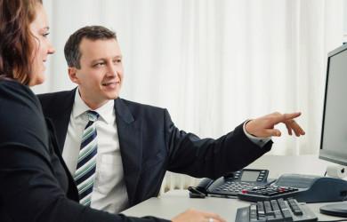Steuerberater Bohn bei der Beratung