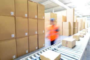 Onlinehändler versenden Waren auch aus Depots von Amazon im europäischen Ausland